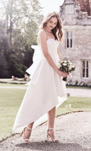 Chi Chi London - Katarina Dress - Robe de mariée pas cher - The Wedding Explorer