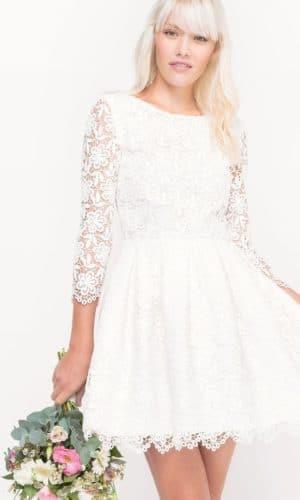 MADEMOISELLE R - Robe courte de mariée dentelle - Robe de mariée pas cher - The Wedding Explorer