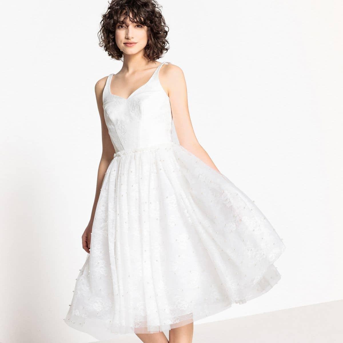 Robe De Mariee Mademoiselle R Robe De Mariee Evasee Dentelle Et Perles The Wedding Explorer