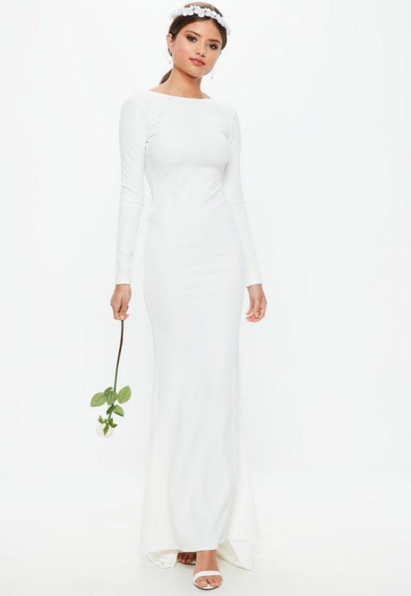 MISSGUIDED - Robe de mariée blanche à dos ouvert - Robe de mariée pas cher - The Wedding Explorer