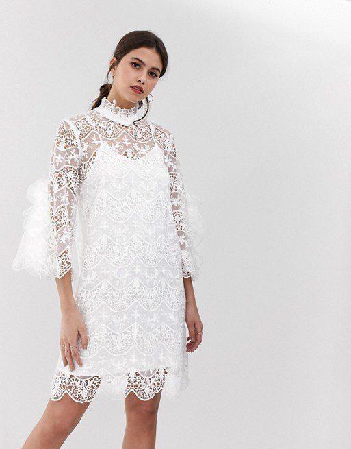 Y.A.S - Robe de mariée en dentelle à encolure haute - Robe de mariée pas cher - The Wedding Explorer