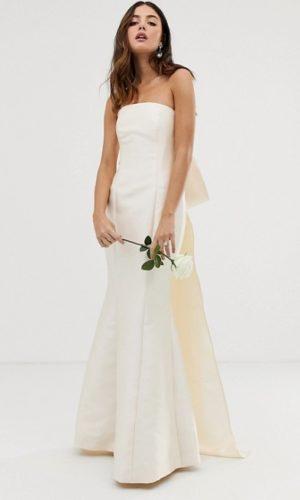 ASOS EDITION - Robe de mariée satin à noeud dans le dos et décolleté bandeau - Robe de mariée pas cher - The Wedding Explorer