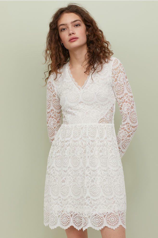 Robe De Mariee H M Robe Courte Manches Longues En Dentelle The Wedding Explorer