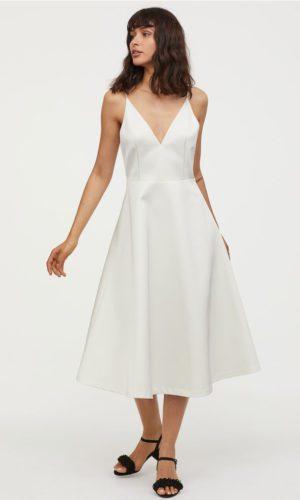 H&M - Robe courte à encolure en V en satin - Robe de mariée pas cher - The Wedding Explorer