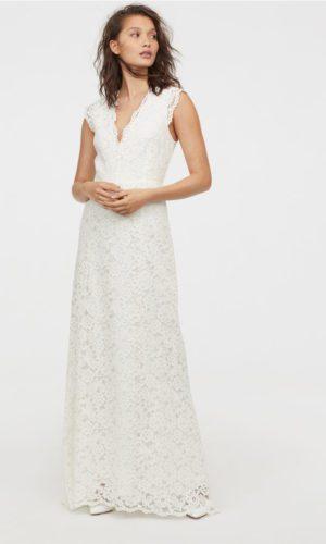 H&M - Robe longue en dentelle col V - Robe de mariée pas cher - The Wedding Explorer