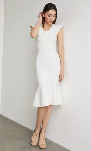 BCBG - Fluted Bodycon Dress - Robe de mariée pas cher - The Wedding Explorer