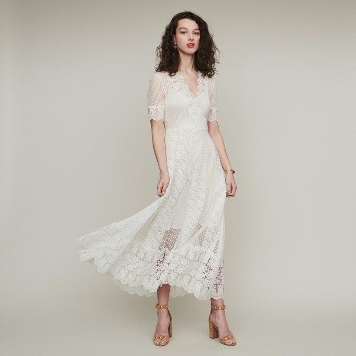 Robe De Mariee Maje Robe Longue En Plumetis Et Dentelle The Wedding Explorer