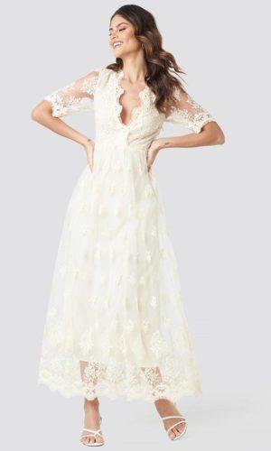 NA-KD - Delicate Flower Lace Maxi Dress White - Robe de mariée pas cher - The Wedding Explorer