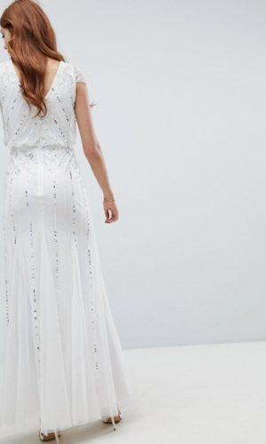 The Wedding Explorer Dénicheur de robes de mariée modernes à petit prix à acheter en ligne
