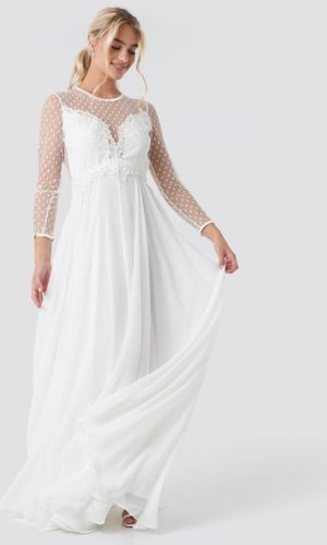 NA-KD - Alicia Dress White by Ida Sjöstedt - Robe de mariée pas cher - The Wedding Explorer