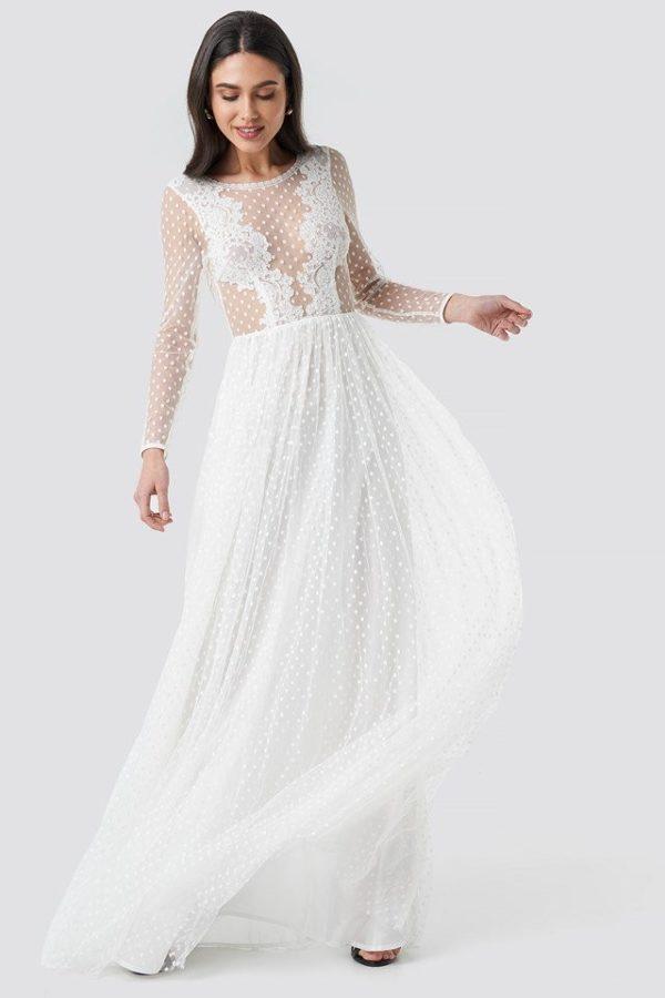 NA-KD - Emily Dress White by Ida Sjöstedt - Robe de mariée pas cher - The Wedding Explorer