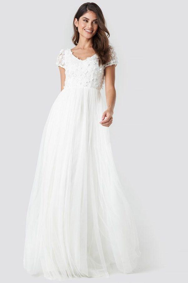 NA-KD - Meghan Dress White by Ida Sjöstedt - Robe de mariée pas cher - The Wedding Explorer
