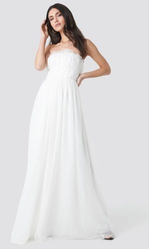 NA-KD - Detailed Evening Dress White by Trendyol - Robe de mariée pas cher - The Wedding Explorer