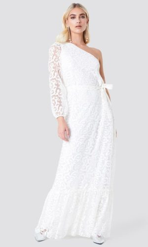NA-KD - Floral One Shoulder Maxi Dress White by Trendyol - Robe de mariée pas cher - The Wedding Explorer