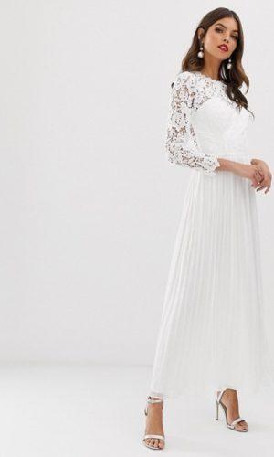 ASOS - Chi Chi London - Robe longue en dentelle festonnée dans le dos - Robe de mariée pas cher - The Wedding Explorer