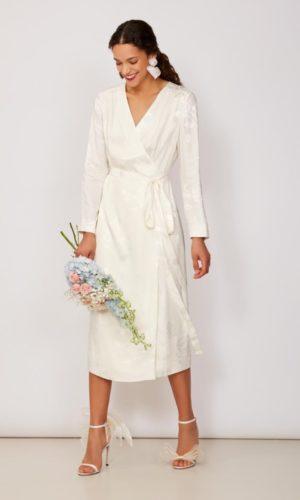 KITRI - Riley Jacquard Wrap Dress - Robe de mariée pas cher - The Wedding Explorer