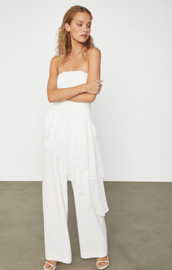BCBG - Draped Ruffle Jumpsuit - Robe de mariée pas cher - The Wedding Explorer
