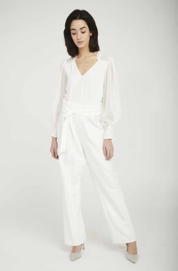 NAF NAF - Combinaison pantalon bi-matière plumetis - Robe de mariée pas cher - The Wedding Explorer